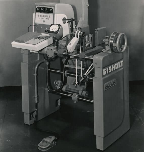 Gisholt didn't just make great turret lathes. They were also known for their balancing machines. This is a Gisholt Dynetric balancing machine, with foot pedal. Anyone have one of these in their shop?