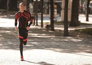 5 веских причин заняться бегом.  Зачем люди занимаются бегом? Что побуждает обычного современного урбанизированного человека выйти на беговую дорожку и сделать первый шаг? Статья на сайте: http://www.professionalsport.ru/5-veskikh-prichin-zanyatsya-begom
