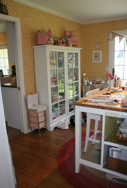 Sewing RoomDining Room, Crafts Spaces, Room Crafts, Sewing Nooks, Crafts Room, Sewingcraft Room, Room Ideas, Sewing Rooms, Quilt Room