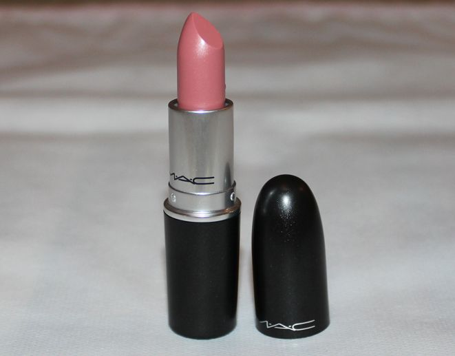 MAC Angel Lipstick is a soft pink shade, one that I find myself reaching for on most days when I can't be bothered to spend some time picking a lipstick. I