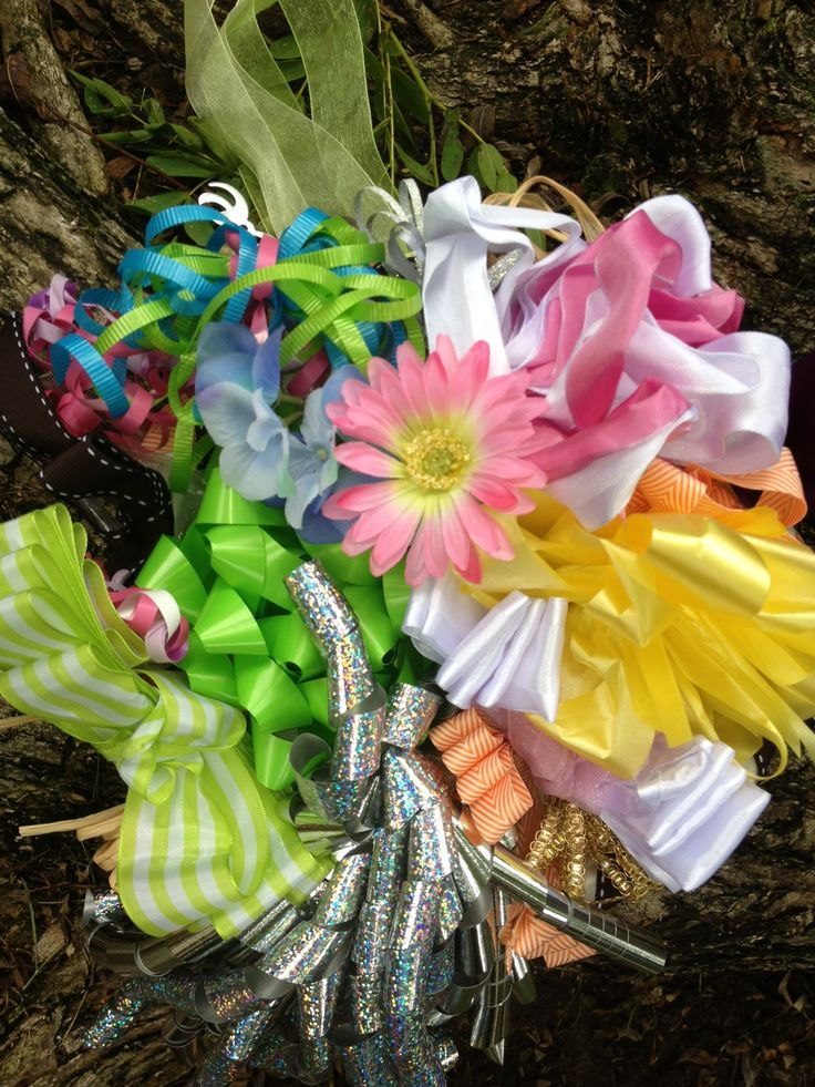 How to Make a Ribbon Bouquet for the Bride During the Wedding Rehearsal