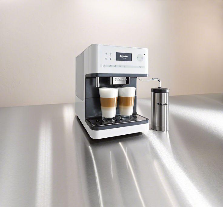 Miele vrijstaande espressomachine en koffieautomaat CM 6310 met one touch for two functie. Winnaar van de Red Dot Design Award