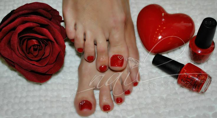 red pedicure hearts