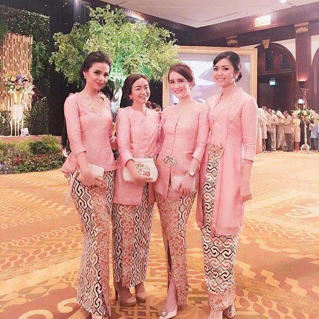 Adel's Pink-ish Bridesmaids #AdelAriefWedding #bridebestfriend #mybestfriendwedding #ValentinesDay