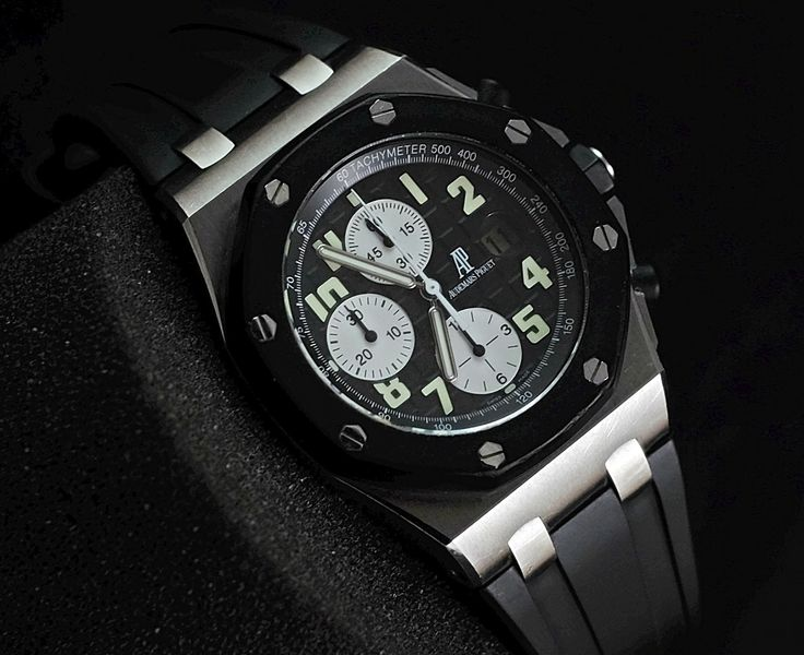 Audemars Piguet RoyalOakOffshore Chrono RubberClad 'G' ( PREOWNED - ORIGINAL)  WE ARE BASED AT JAKARTA please contact us for any inquiry : whatsapp : +6285723925777 blackberry pin : 2bf5e6b9   #WATCH #WATCHES #FORSALE #WATCHFORSALE #WATCHLUXURY #LUXURY #LUXURYSTYLE