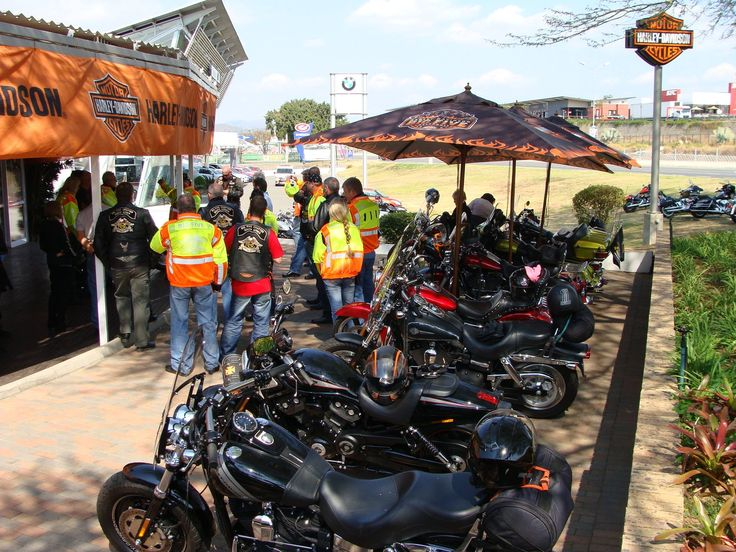 Great to see new faces and stalwarts taking to the road in a pack of 21 HOG's - Big Five Harley-Davidson  #harleydavidson #bigfiveHOG