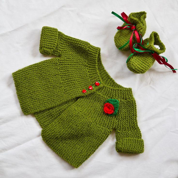 Chaqueta bebe verde con patucos