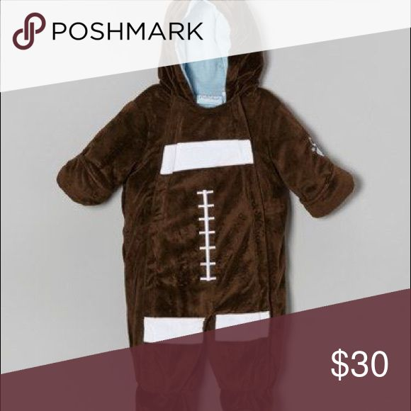 🎃 Baby football pram/suit NWT baby football suit, perfect for this football season! Keep your little one warm with this cozy, lined suit with hood, hand and feet covers. Tag reads 6-9 months but could fit 12+ months. Could also make a cute Halloween costume! Bon Bebe Other
