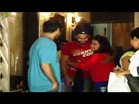 WATCH Ranveer Singh greets fans at a restaurant in Mumbai. See the full video at : https://youtu.be/CysyyfjP6Uk #ranveersingh