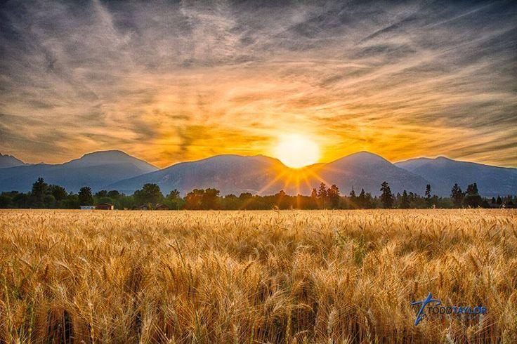 Montana Sunrise Over The Mountains Montana The Beauty