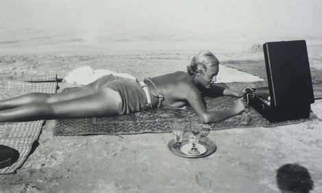 Jacques Henri Lartigue, Chou Valton at la Garoupe beach, Cap d'Antibes  on ArtStack #jacques-henri-lartigue #art