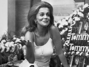 ann-margaret, ann-margret, look like, look like now, now, photos, pictures, today WTLLN   Pam Dawber Dewey From 'Malcolm in the Middle' Cole and Dylan Sprouse (Zack & Cody) Melanie Griffith Twins from Everybody Loves Raymond The Girl from Matilda Ann-Margret is a singer and actress best known for her roles in Bye Bye Birdie and Viva Las Vegas. This year, Ann-Margret turns 72. What does she look like today?
