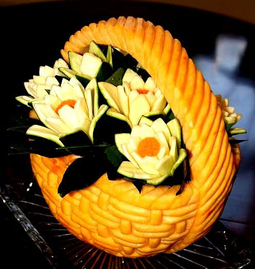 escultura-abobora-decoracao-mesa                                                                                                                                                      Mais
