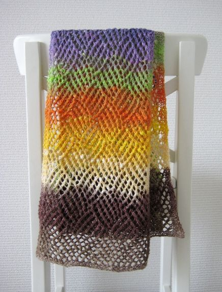 Gridwork: Free pattern on Ravelry - but in a single color or more subtle shift