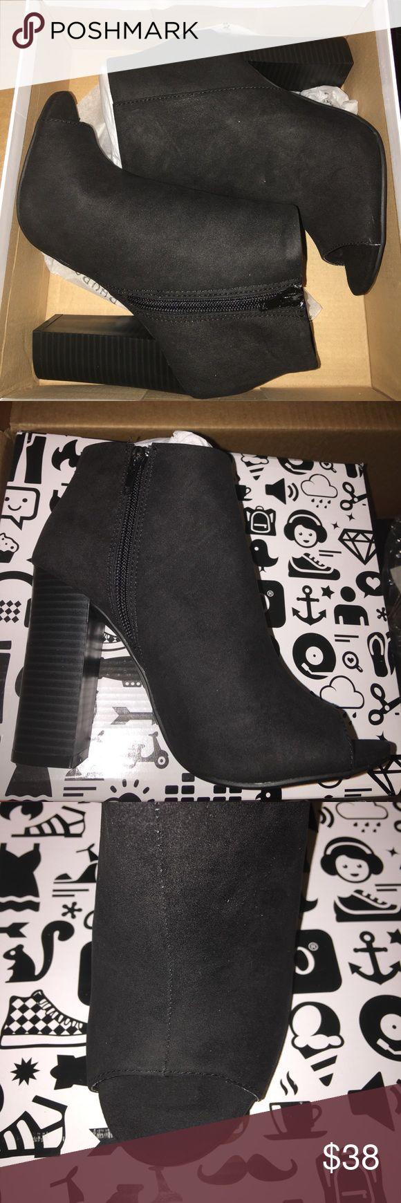 New peep toe black zip heel boots size 7 Beautiful black peep toe heel bootie, zip up sides, high heel, size 7 bamboo charlotte russe Shoes Heels