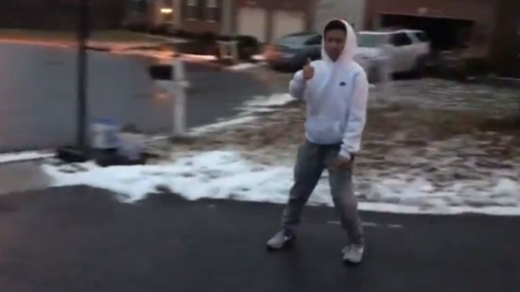 HOWARD COUNTY, Md. (WBFF) - Eric Yang, of Ellicott City, posted a video of himself skating down a very icy driveway Monday.He posted the video to Twitter, writing sarcastically: Looks safe to walk to school.He also tagged Howard County Public Schools in th