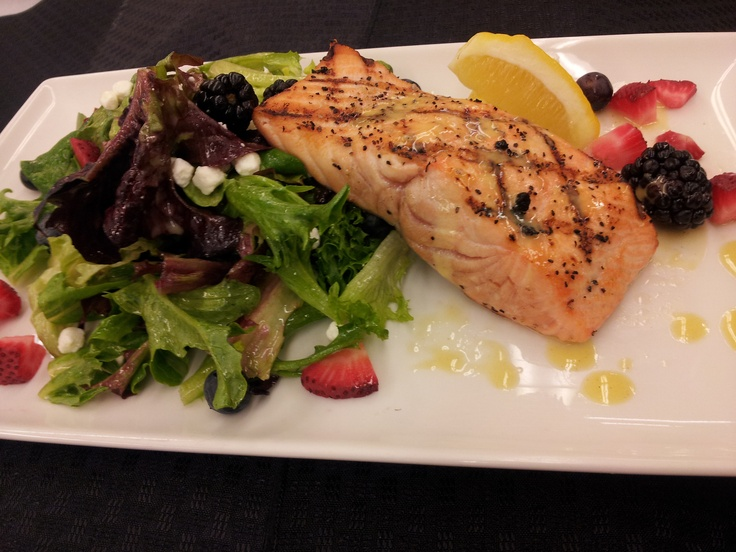 Grilled Salmon & Greens