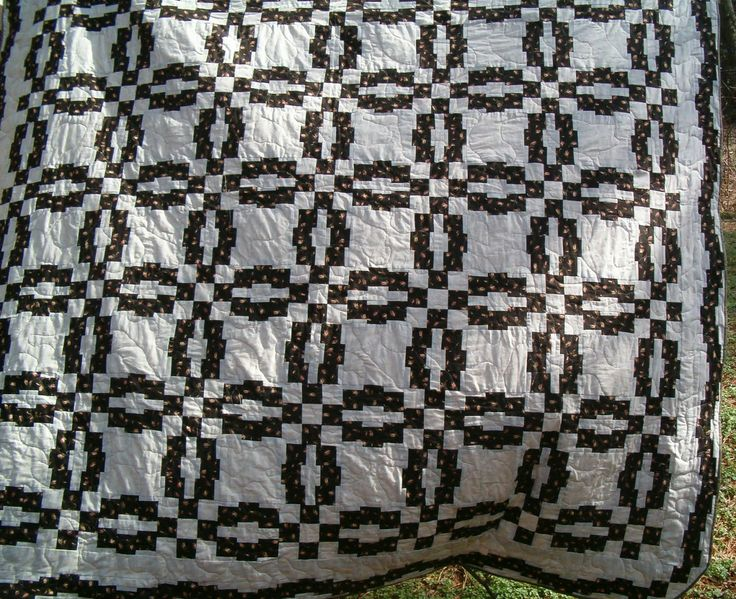 Black And White Monet S Wedding Ring Quilt From The