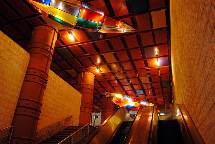 Estação do metropolitano de Lisboa - estação das Olaias.