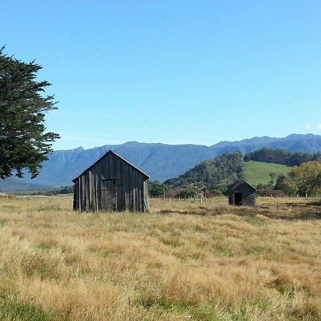 The hamlet of Mole Creek is the perfect place to base yourself when exploring Tasmania's central north. #molecreek #tasmania #discovertasmania Image Credit: Sarah Poortenaar