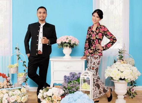 Photos with the concept of traditional dress , combined with modern decor . make you look elegant...Info: 0896-6717-7776 / 0813-9219-8008