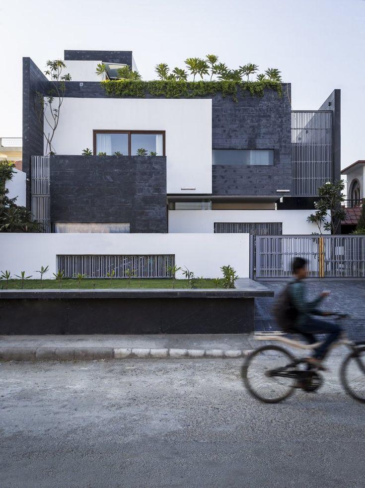 Residence 913,© Nakul Jain