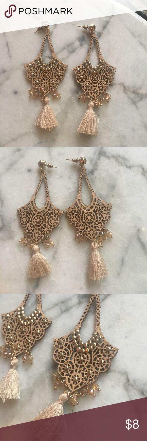 """Gold / Cream Chandelier Drop Statement Earrings Pretty and lightweight. 4"""" in length. Metal backs. Jewelry Earrings"""