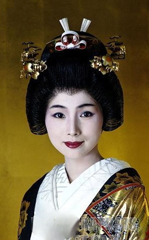 Japonesa con rasgos más occidentales