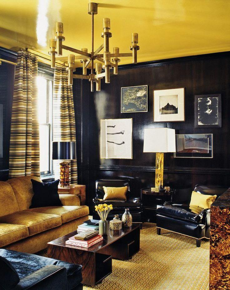 Натяжные потолки для зала (62 фото): выбор материала и стиля http://happymodern.ru/natyazhnye-potolki-v-interere-gostinoj-62-foto-vybor-materiala-i-stilya/ Желтый глянцевый потолок смотрится восхитительно