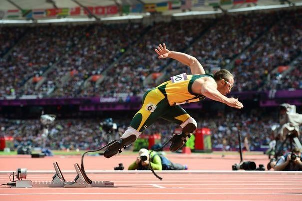Oscar Pistorius courre contre un cheval [video] - http://www.2tout2rien.fr/oscar-pistorius-court-contre-un-cheval-video/