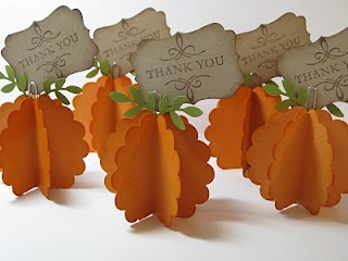 Thanksgiving Place Cards or Picture Holder~ make these with some colored cardstock and paper punches.