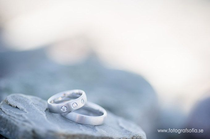 Fotograf Sofia Eckerblad Kalmar/Öland #brollop # brollopoland #oland #fotografkalmar #wedding #weddingsweden #weddingphotographer #weddingphotographersweden #sofiaeckerblad #weddingrings #brollopsringar