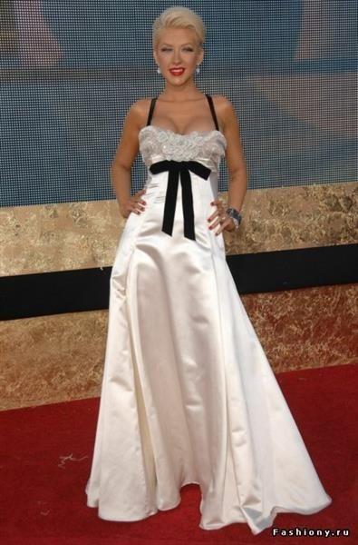 Кристина агилера в белом платье