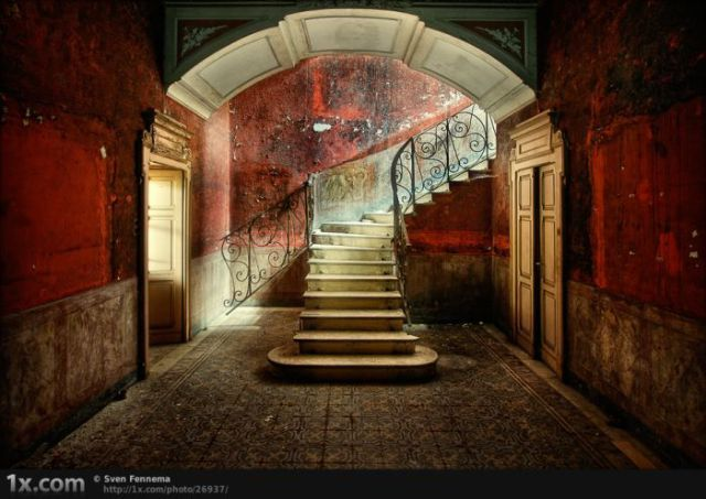 StairsStairs, Urban Decay Photography, Abandoned Home, Northern Italy, Beautiful, Buildings, Urbandecay, Stairways, Abandoned Places