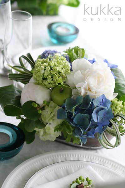 kukkaのウエディングフラワーブック-ゲストテーブル,アレンジ,ブルー,ホワイト,アジサイ