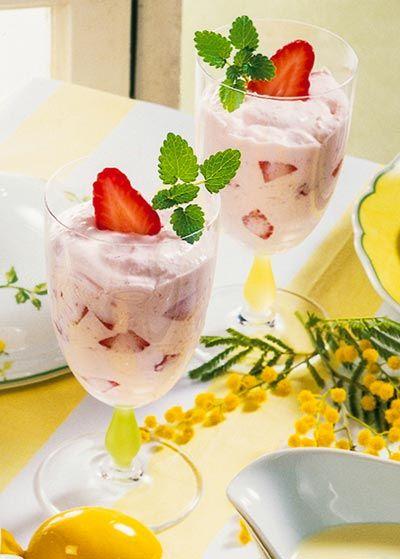 Leckere Magerquark-Rezepte zum Abnehmen: Probieren Sie unser Erdbeerquark Rezept  ...