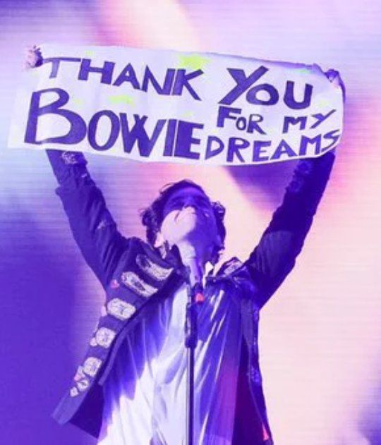"Mika's tribute to David Bowie (Rome, Palalottomatica, Jan 13, 2016) (lyrics from ""Good Guys"")"