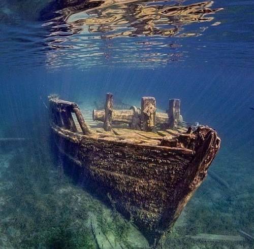 Small shipwreck near Tobermory, Canada