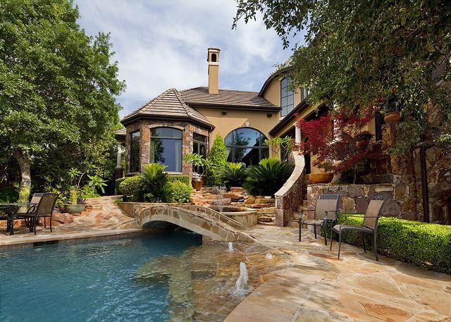 Volente Accommodations - Texas Vacation Rentals - Absolutely Stunning Property with