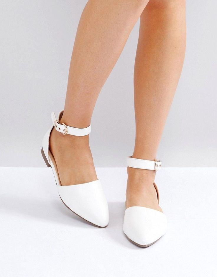 Get this Raid's flat shoes now! Click for more details. Worldwide shipping. RAID Debbie White Ankle Strap Ballet Shoes - White: Flat shoes by Raid, Faux-leather upper, Ankle strap fastening, Pointed toe, Wipe with a soft cloth. Footwear brand Raid takes inspiration from the catwalk and runs with it. Head from desk to date with its sandals, ankle boots and pointed flats to suit every occasion. (zapatos planos, sin tacón, plano, sin tacon, flat, flache schuhe, zapatos planos, chaussures…