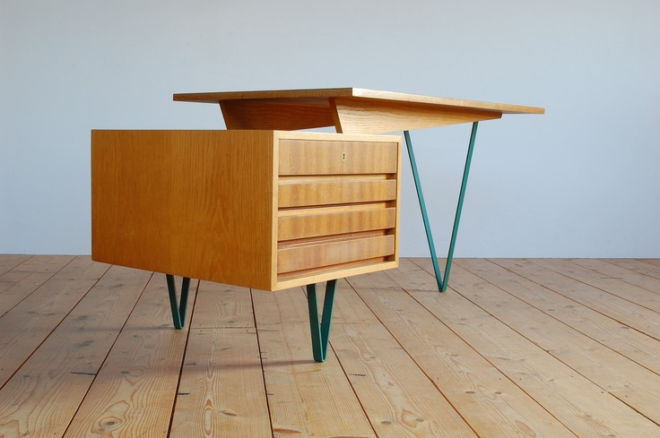 Pastoe desk  Cees Braakman  1960 http://www.b22design.nl/content/new.html