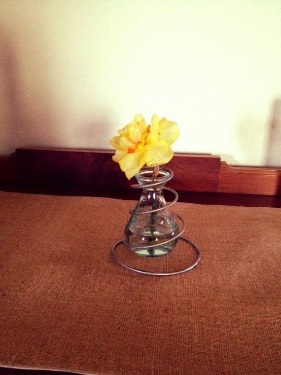 Timeless vintage vase - Top 24 Creative Ideas for Repurposing Bed Springs