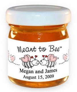 Leuke gastenbedankjes: potje honing met de tekst Meant to be.