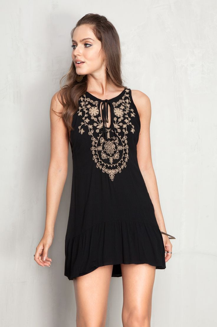 vestido bordado mandala frente | Dress to