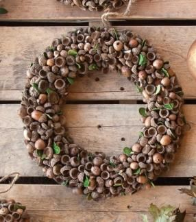 large acorn wreath | perfectly imperfect    HaHaHa, now i have something to do…