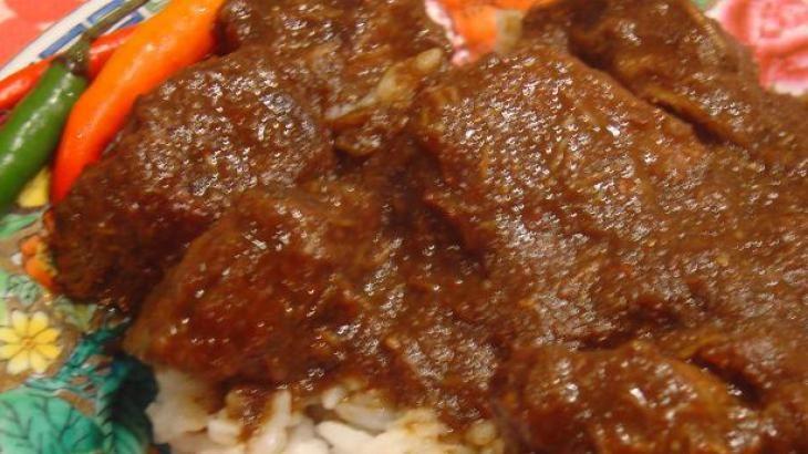 Rendang Padang - Indonesian Beef Curry (Slow Cooker)