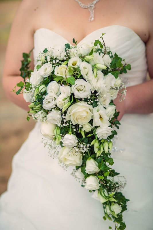 SEVERINE bridal bouquet by MOMENTS www.weddingincrete.com