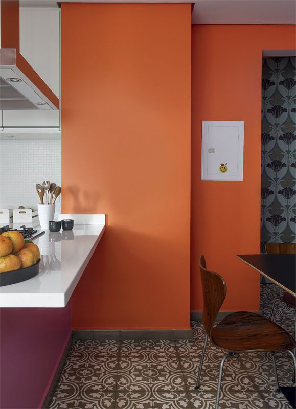 Laranja-meo-deus-do-ceu.. rs. Ficou bem legal: Decor Colors, Colors Para Cocina Ideas, Floors Colors, Kitchens Ideas, Cocina Cortinas, Orange Kitchens Decor, Kitchen, Colors Coordinating, Colors Ideas