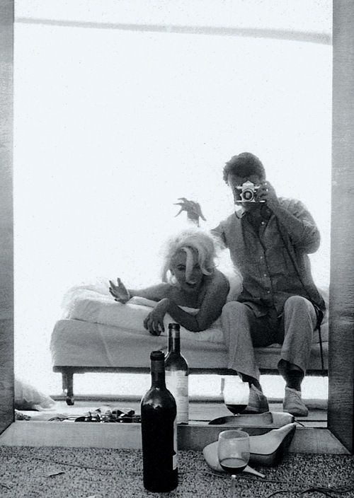 Marilyn Monroe and Bert Stern during a photo shoot, 1962. Love the emotion & naturalness♥