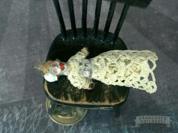 Abandoned Dollhouse 1:12 creepy brides doll for dollhouse dolls